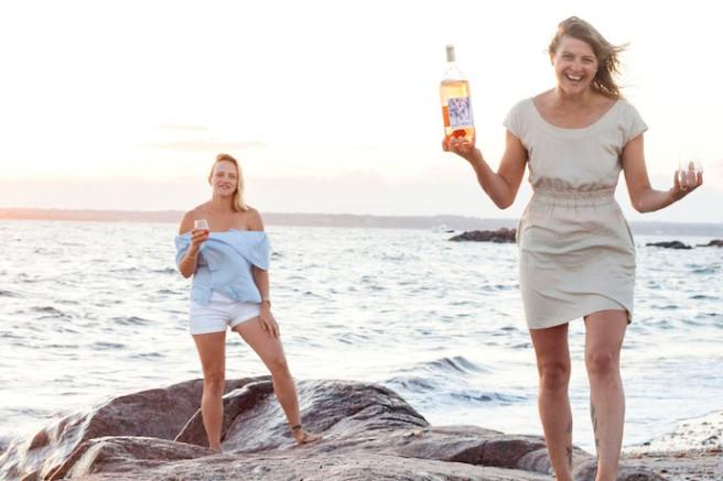 drinking-rose-on-beach.jpg
